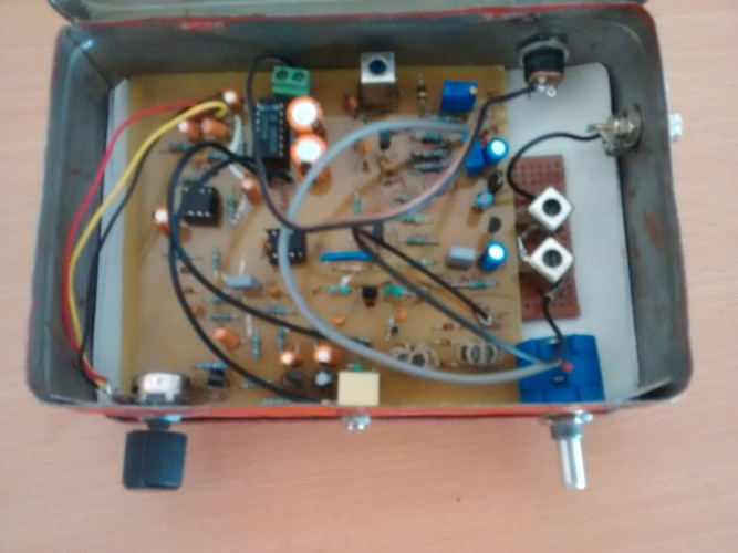 ASH-DCR a homebrewed 40M Direct Conversion Receiver designed by VU2ASH